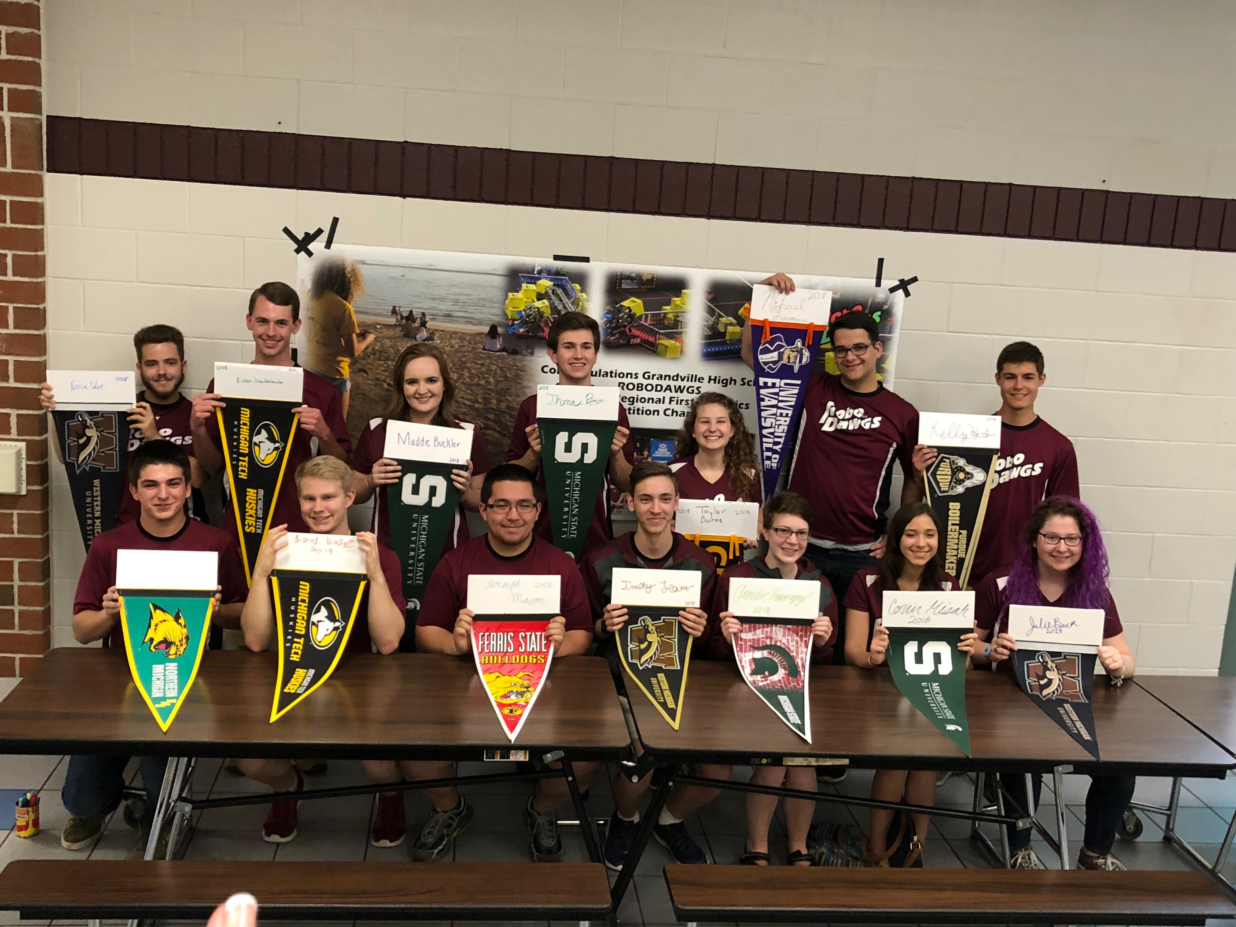 2018 GHS RoboDawg Pennant signing